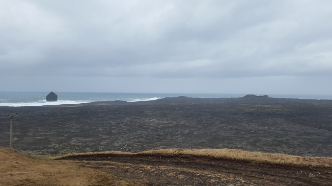 The view to the Reykjanes coast from Midlina