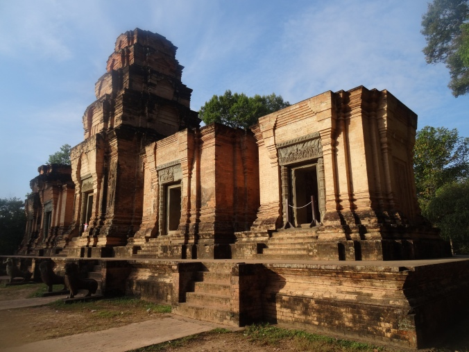 Simple Prasat Kravan hides delicate carvings inside