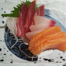 Mixed sashimi at Sushi Zanmai