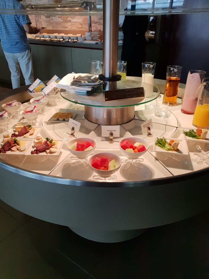Cold snacks and drinks in the Emirates Lounge, KLIA