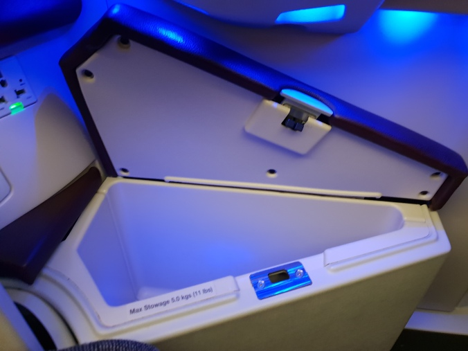 Qatar Airways business class A350 storage