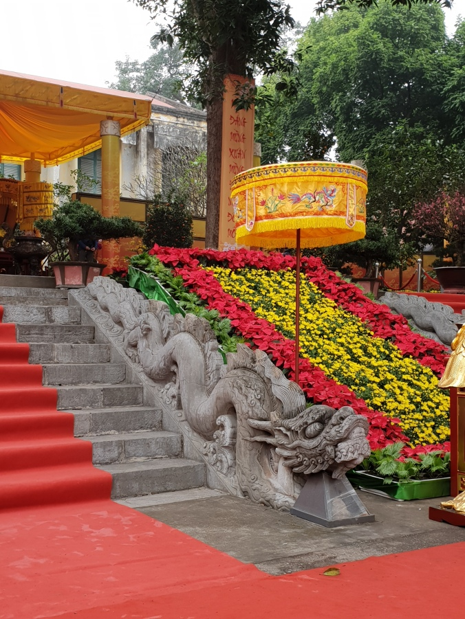 The Dragon stairs to Kinh Thien Palace