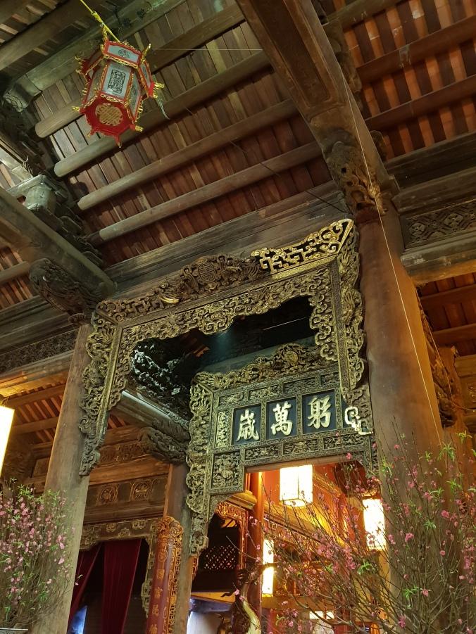 Inside Đình Kim Ngân communal house