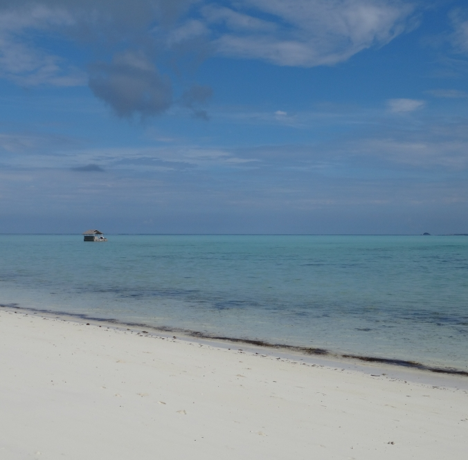 The Kawayan bar off in the distance, Amanpulo