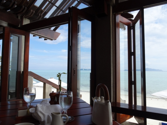 Breakfast at the Beachclub, Amanpulo