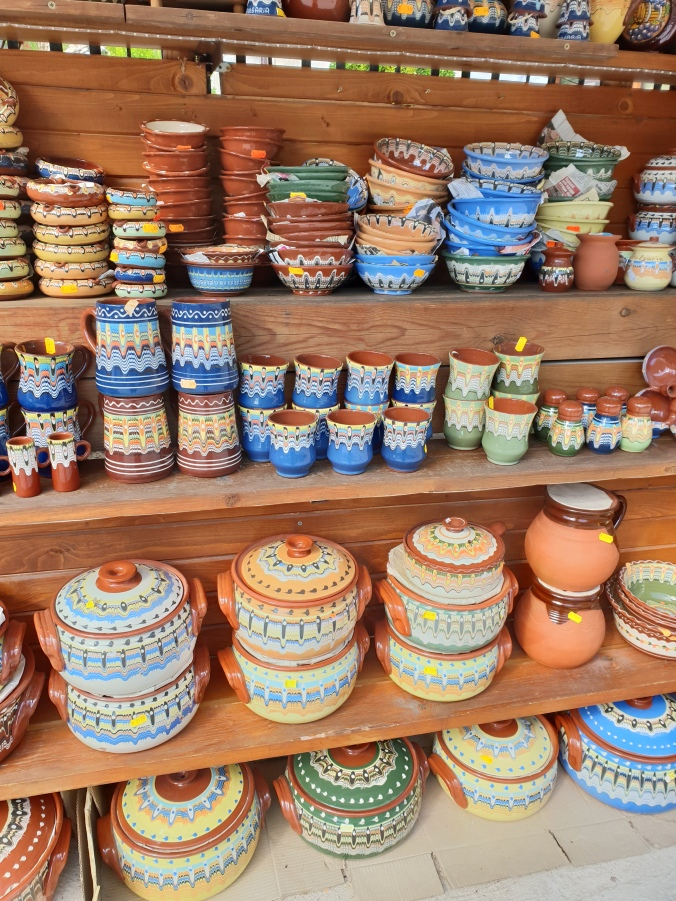 Traditional Bulgarian pottery for sale in Melnik