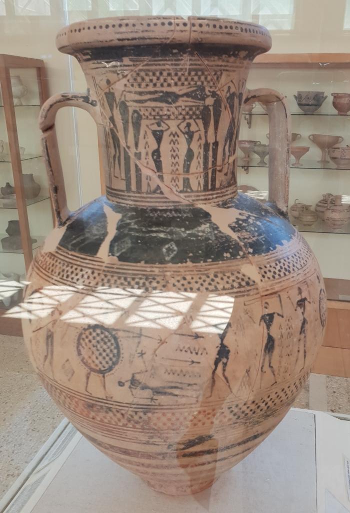 Geometric amphora Paros archaeological museum