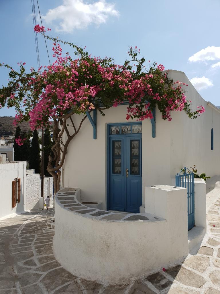 Corner house Lefkes Paros