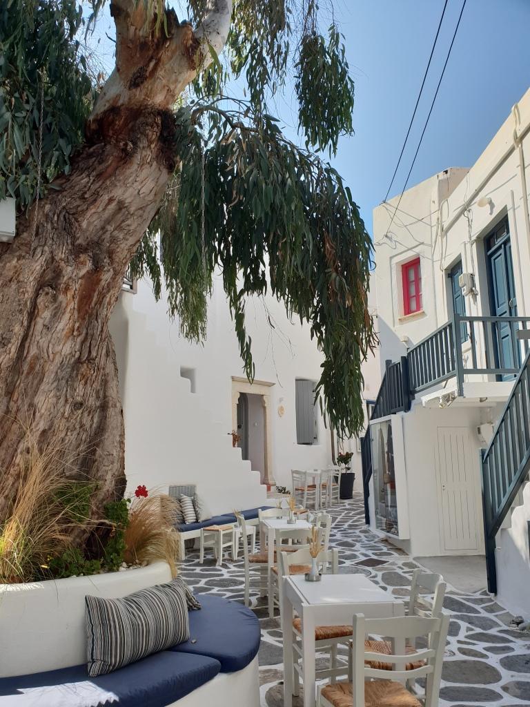 Naousa streets, Paros