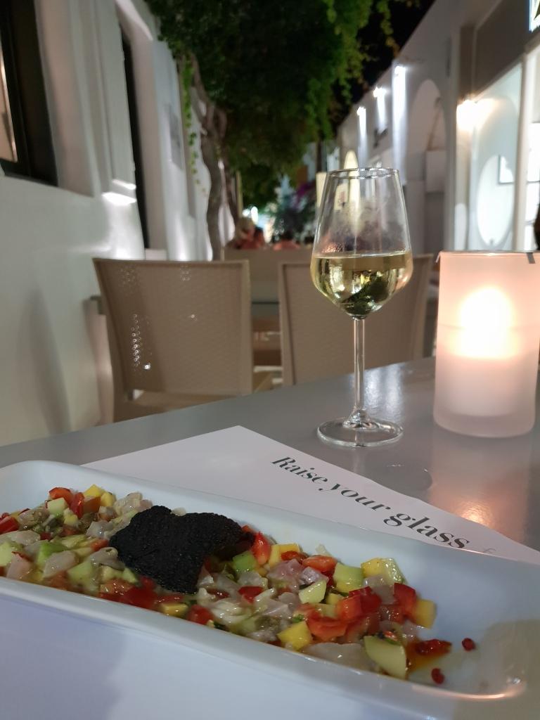 Les Amis Restaurant, Naousa