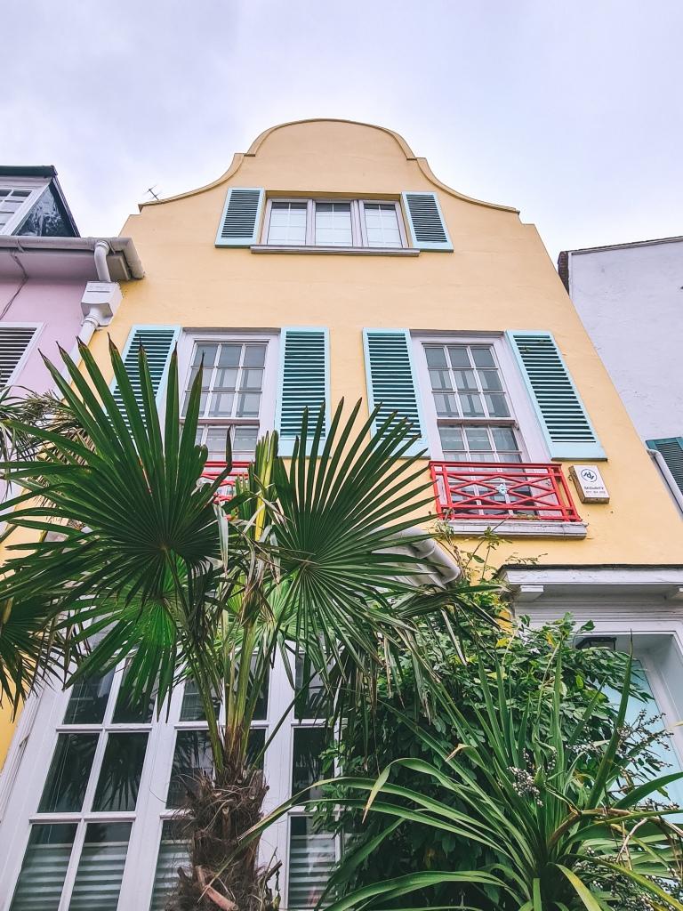 Yellow house, Markham Street, Chelsea