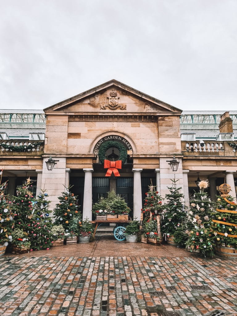 Covent Garden at Christmas 2020
